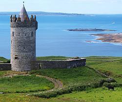 Le château Doonagore Castle et les îles d'Aran